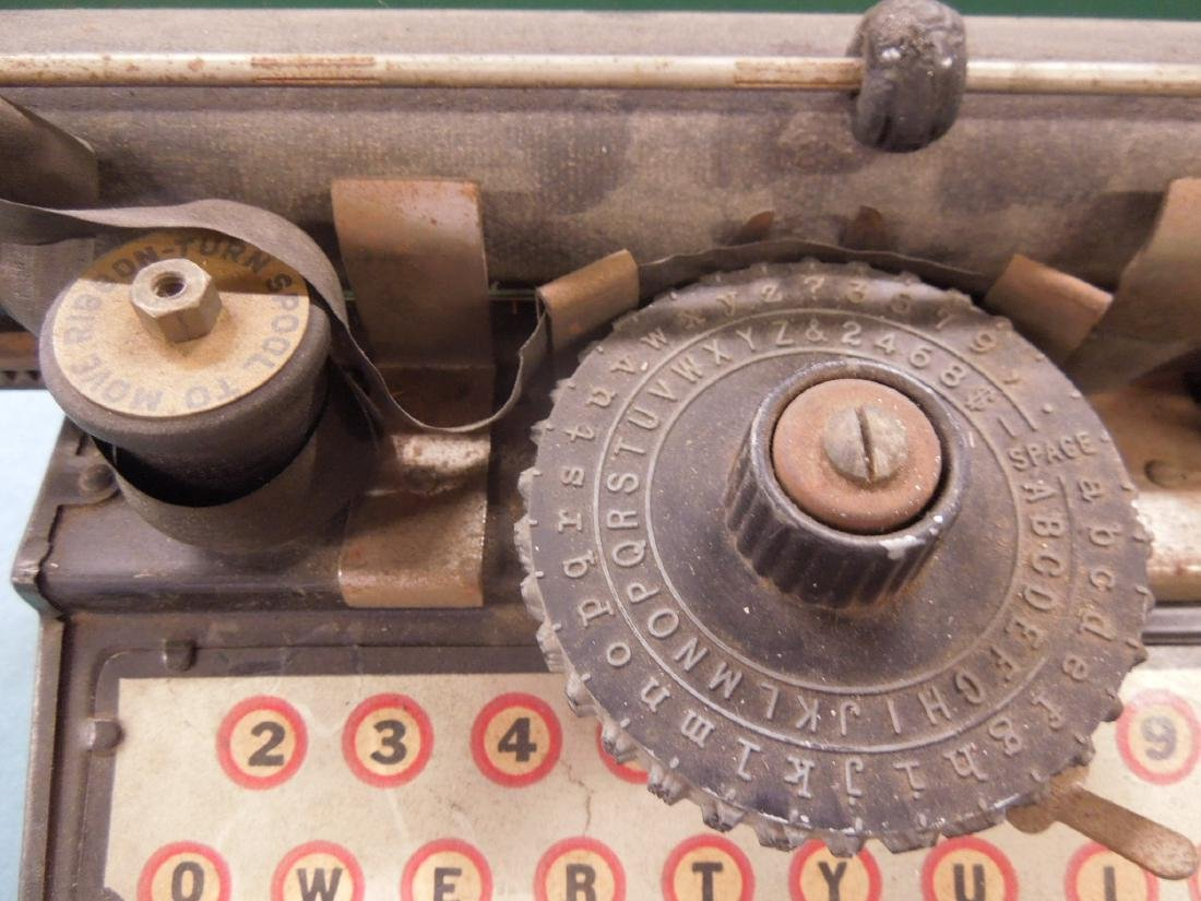 American Flyer Tin Typewriter - 4