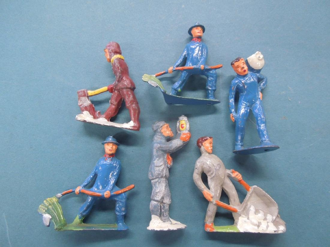 6 Metal Track Worker Figures