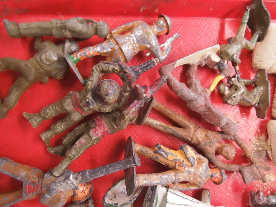 Lot Vintage Metal & Other Army Figures - 3