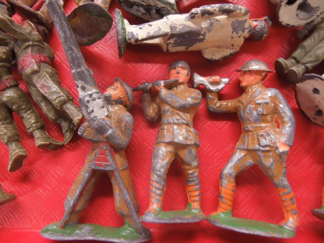 Lot Vintage Metal & Other Army Figures - 4