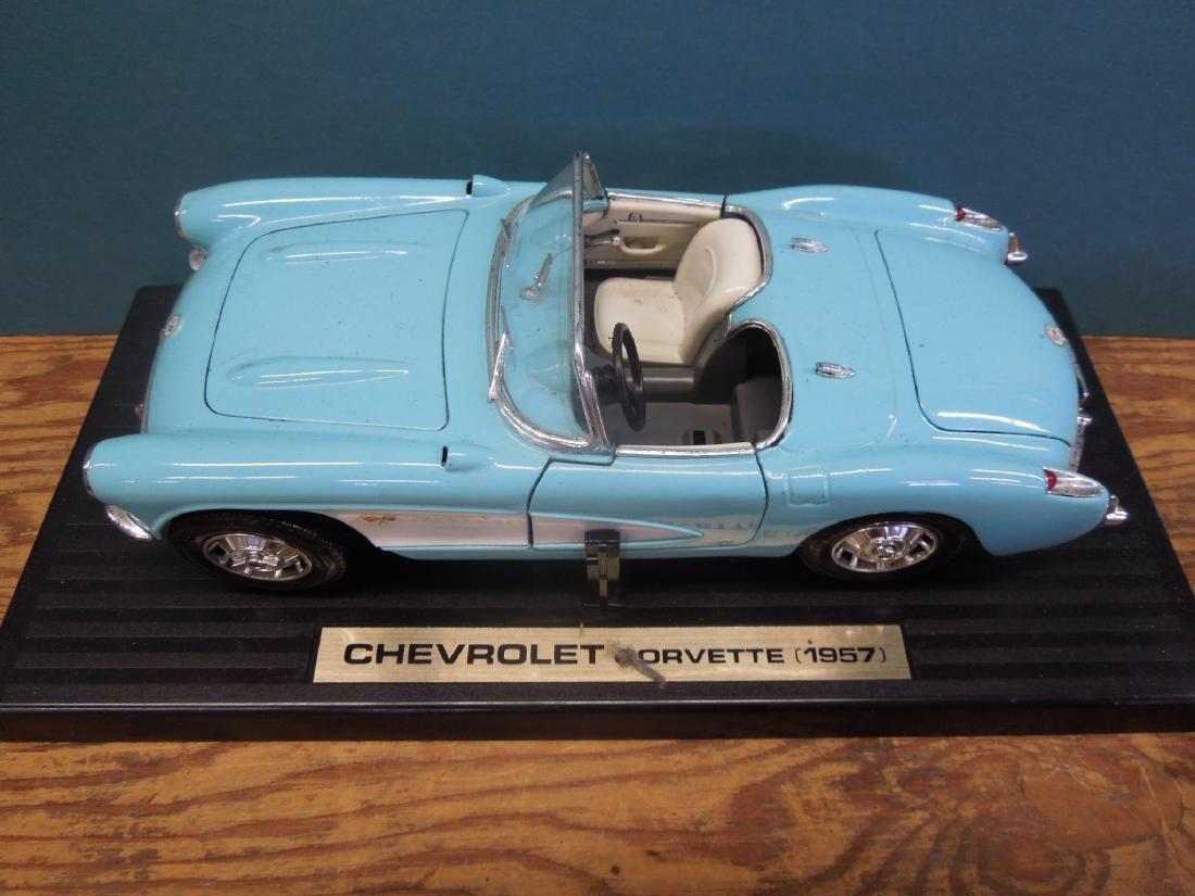 Maisto & Other Scale Corvettes & Radio - 6