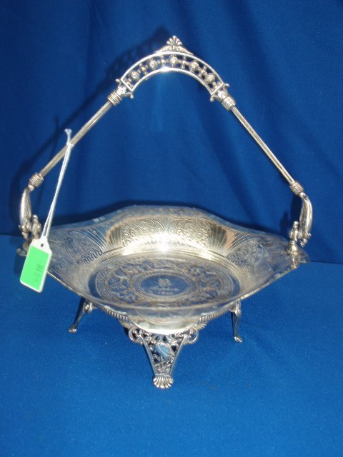 4018: Late Victorian silverplate handled bowl