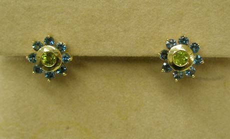 1087: 14k pierced earrings