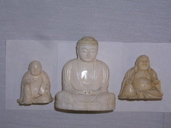 2013: Ivory Buddha figures