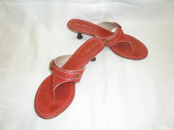 1009: Cole Haan red leather sandals