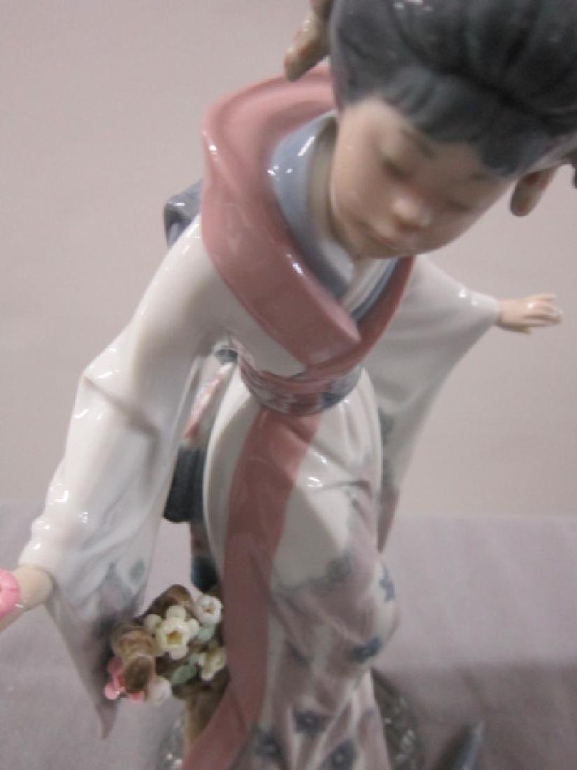 Two Lladro Porcelain Figurines - 3