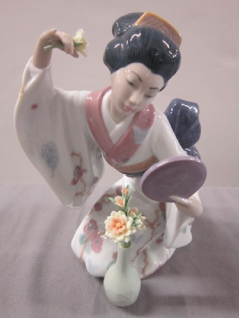 Two Lladro Porcelain Figurines - 5