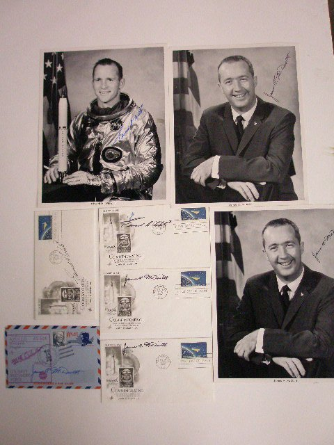 1168: Astronauts Signed Covers & Photos
