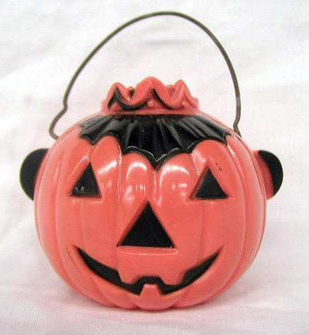 3011: Vintage plastic Halloween candy containers
