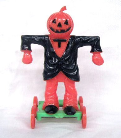 3015: Vintage plastic Halloween candy containers