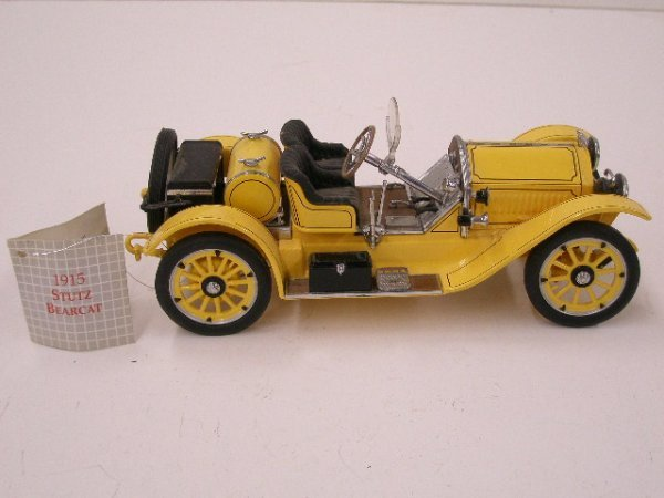 2096: Franklin Mint diecast 1915 Stutz Bearcat
