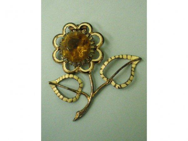 3050: 1940's Nettie Rosenstein sterling fur clip