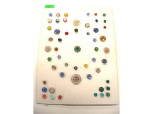 1007: Late 29th to mid 20th C. buttons