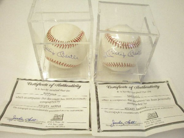 2029: Mickey Mantle/Jim Lonborg/Randy Gumpert sig. ball