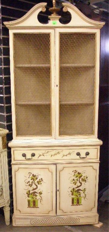 1005: Neoclassical-style corner cabinet