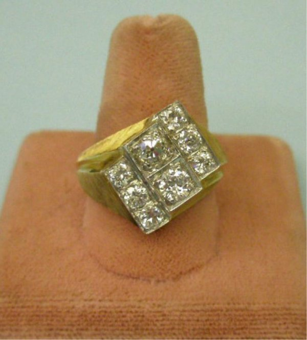 2031: 14k Man's Diamond Ring