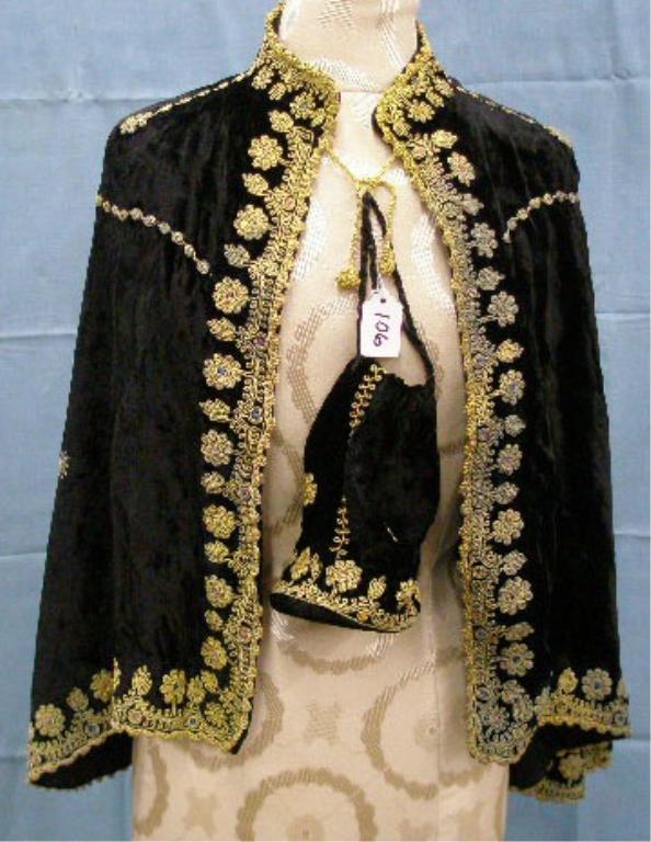 1106: Black velvet shawl
