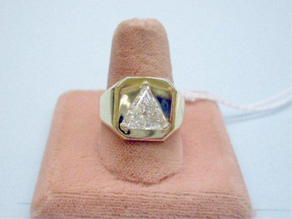 4200: Man's 14k Diamond Ring