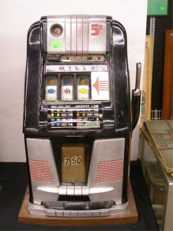 1108: 1940's Mills Slot Machine