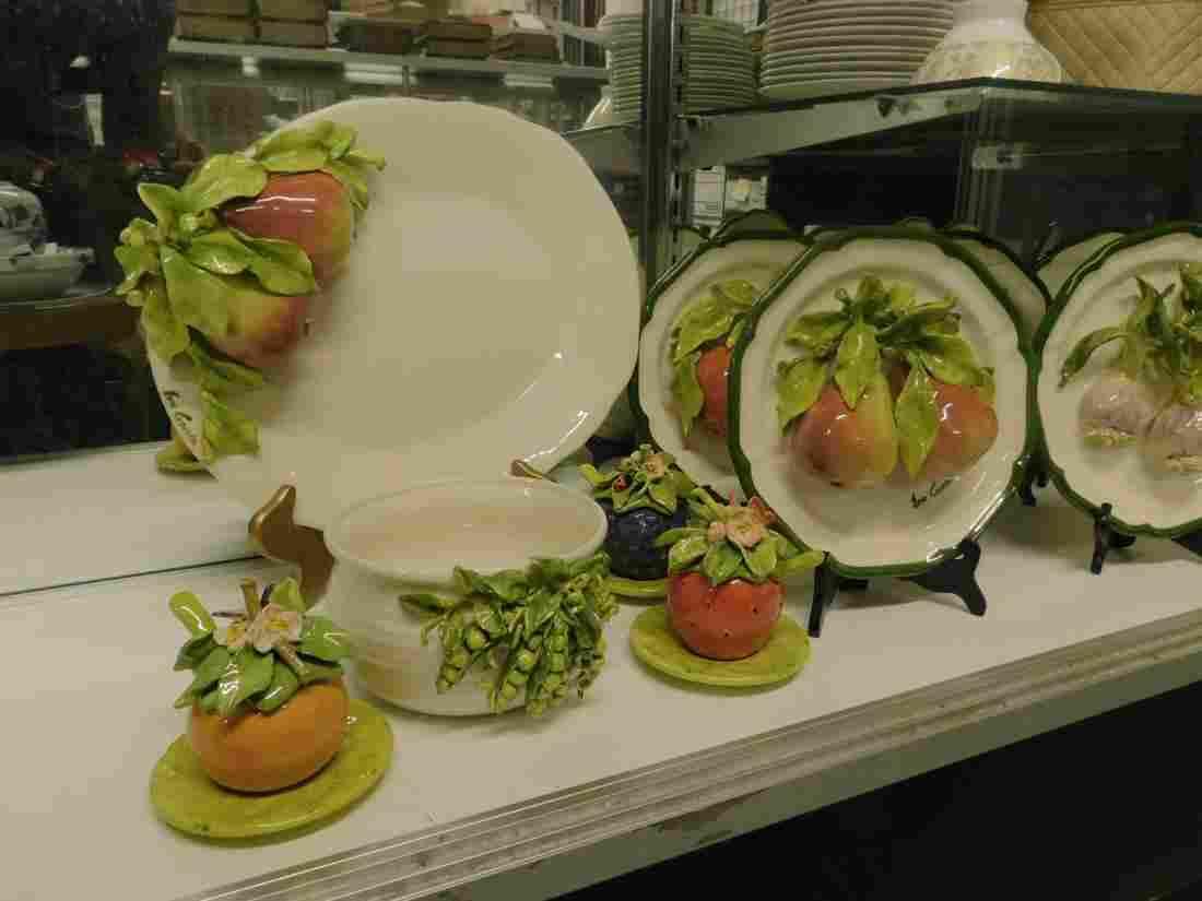 12 Eva Gordan Ceramic Tableware