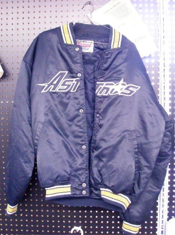 1102: Manny Mota Game Worn Jacket