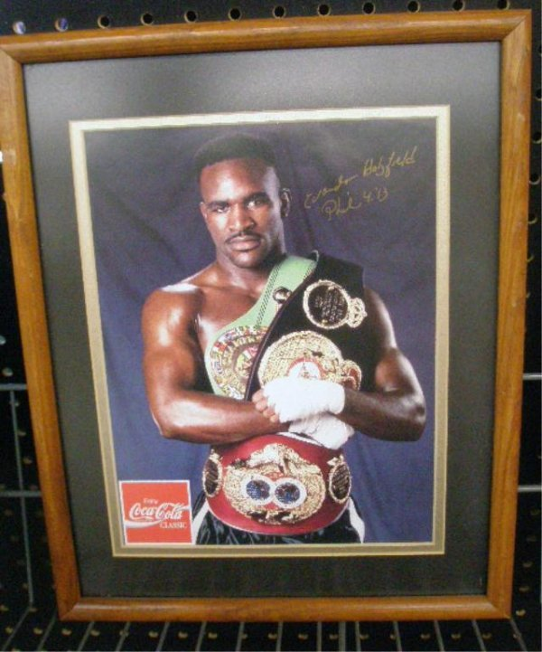 1112: Evander Holyfield Signed Color Photo