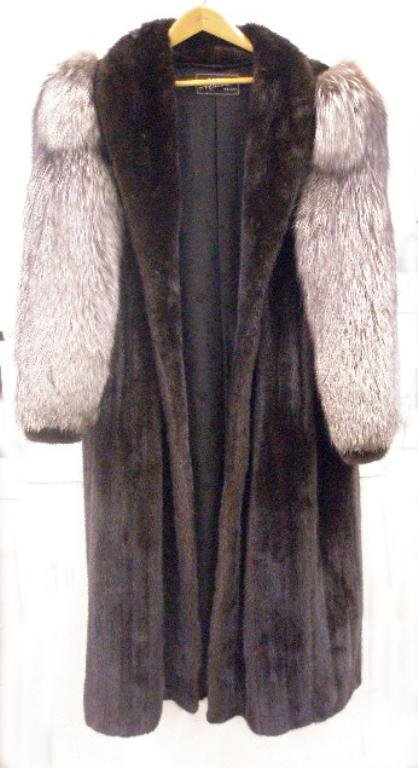 2005: Ranch Mink & Fox Sleeves Fur Coat