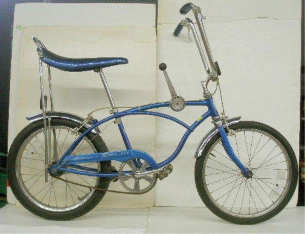 1000: 1976 Schwinn Stingray 3 Speed Bicycle