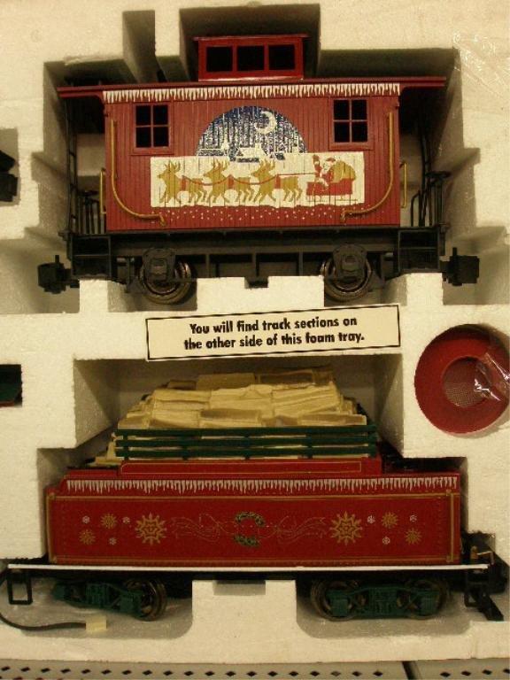 1010: Bachman G-Scale Christmas Train Set - 4