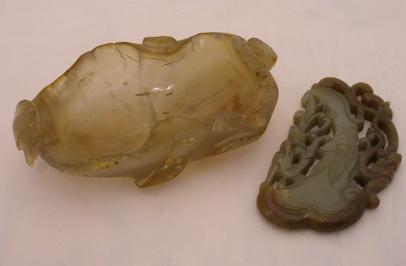 1004: 2 Chinese Jade Carvings