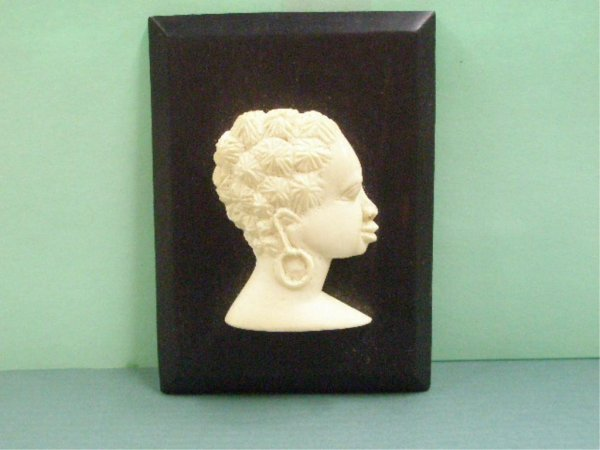 1015: African Ivory Bust Carvings