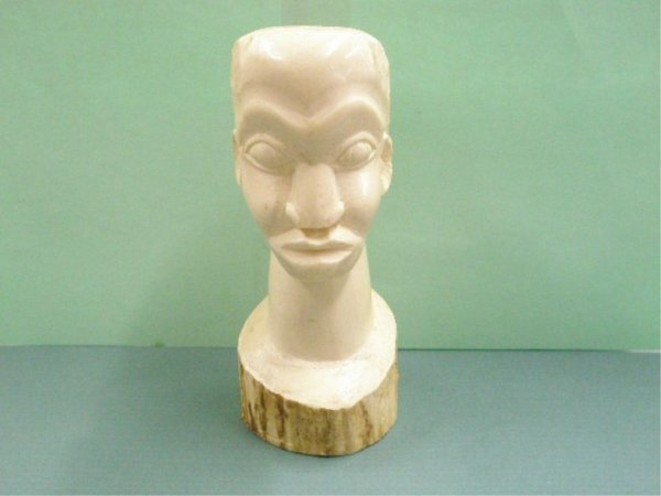 1016: African Carved Ivory Bust of Man