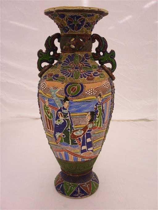 1154 Satsuma Moriage Vase