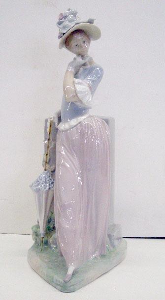 2014: Lladro Porcelain Aesthetic Pose Figure