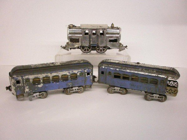 1011: Pre War Lionel Train Set