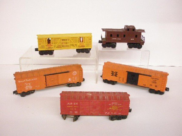 1016: Post War Lionel Trains