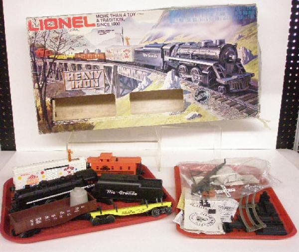 1019: Modern Era Lionel Freight Train Set