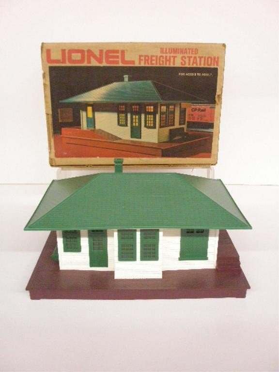1021: Lionel Illuminated Freight Station