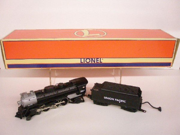 1024: Lionel Union Pacific Locomotive&Tender