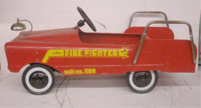 17: AMF #508 Fire Fighter Pedal Car
