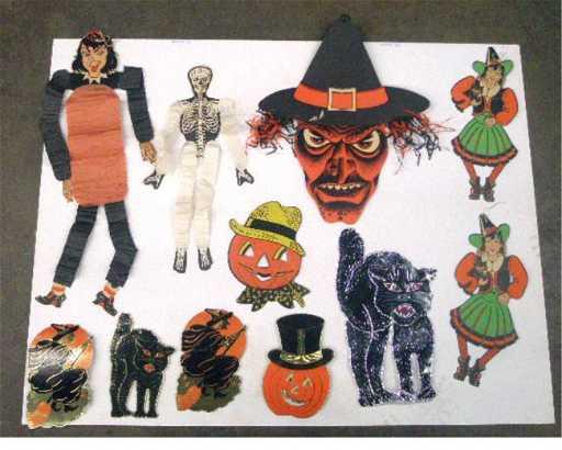 200 1940 S 1960 S Halloween Decorations
