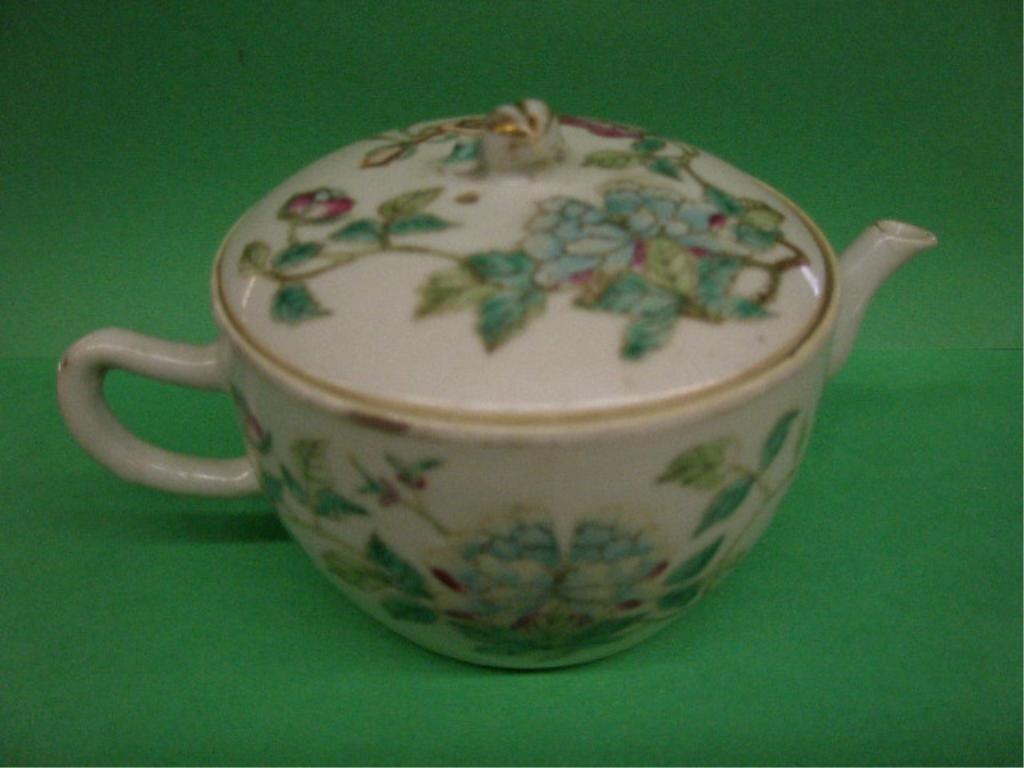 1004: Chinese Famille Rose Porcelain Teapot