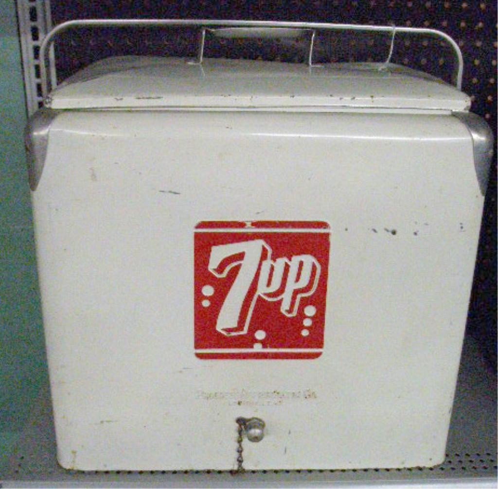 94: 1950's 7-Up Picnic Cooler