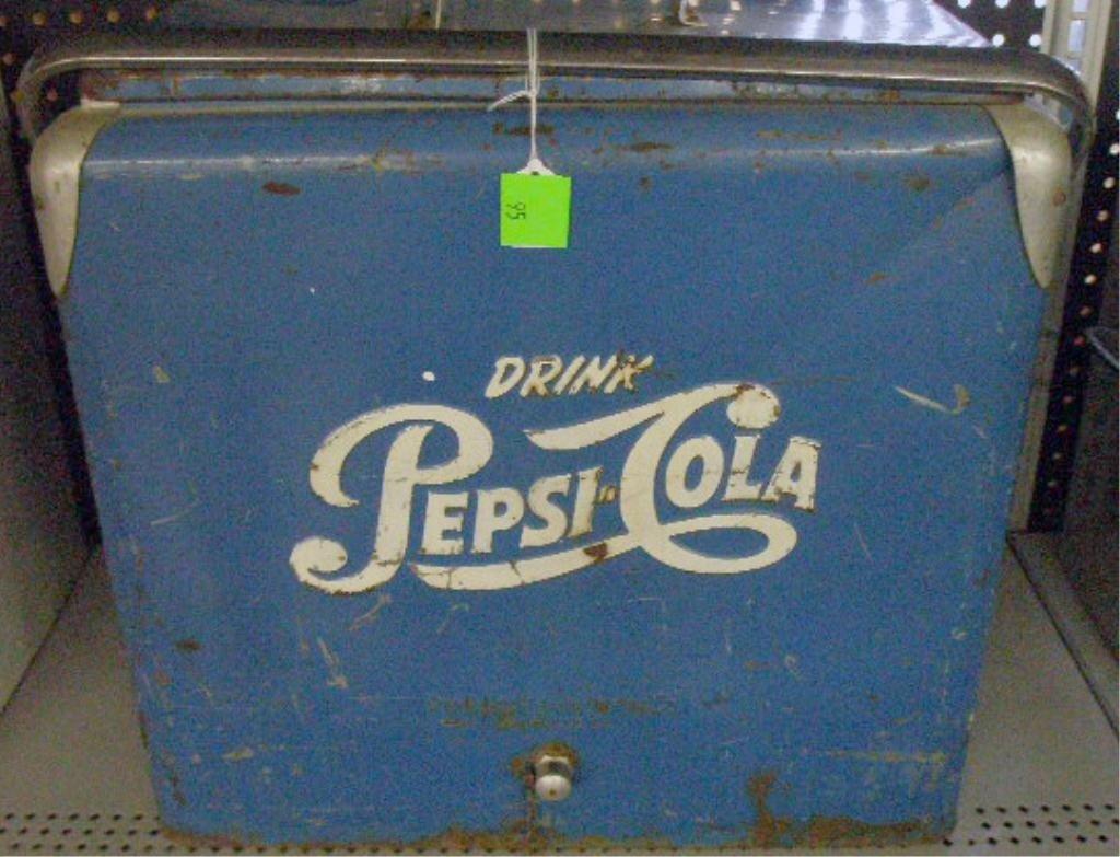 95: 1950's Pepsi Cola Picnic Cooler