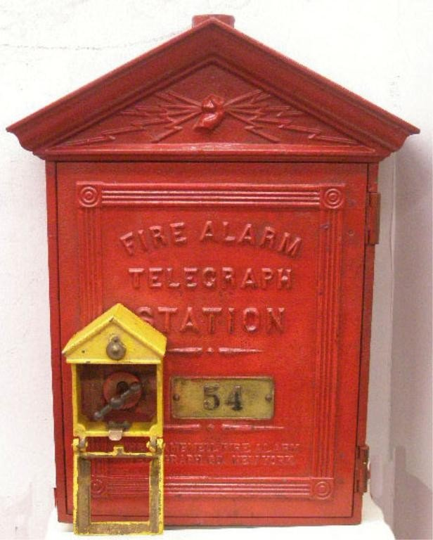 114: Vintage Cast Iron Fire Alarm Box