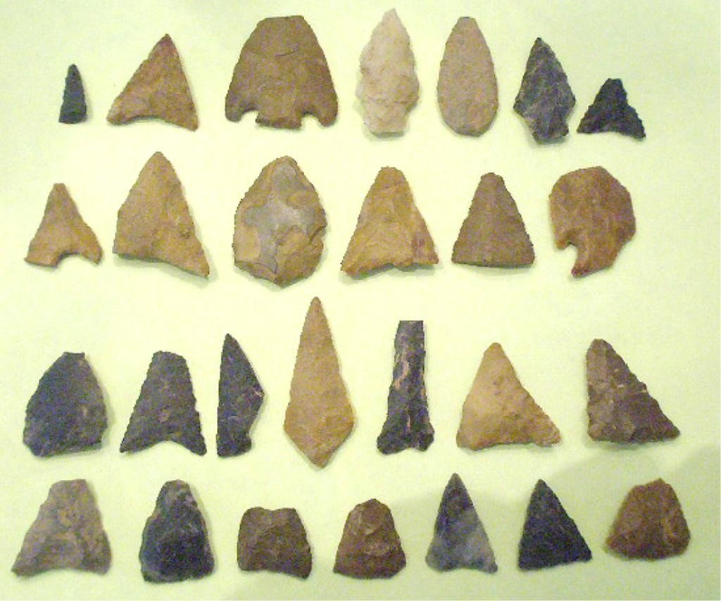 1004: 27 American Indian Projectile Points & Drills