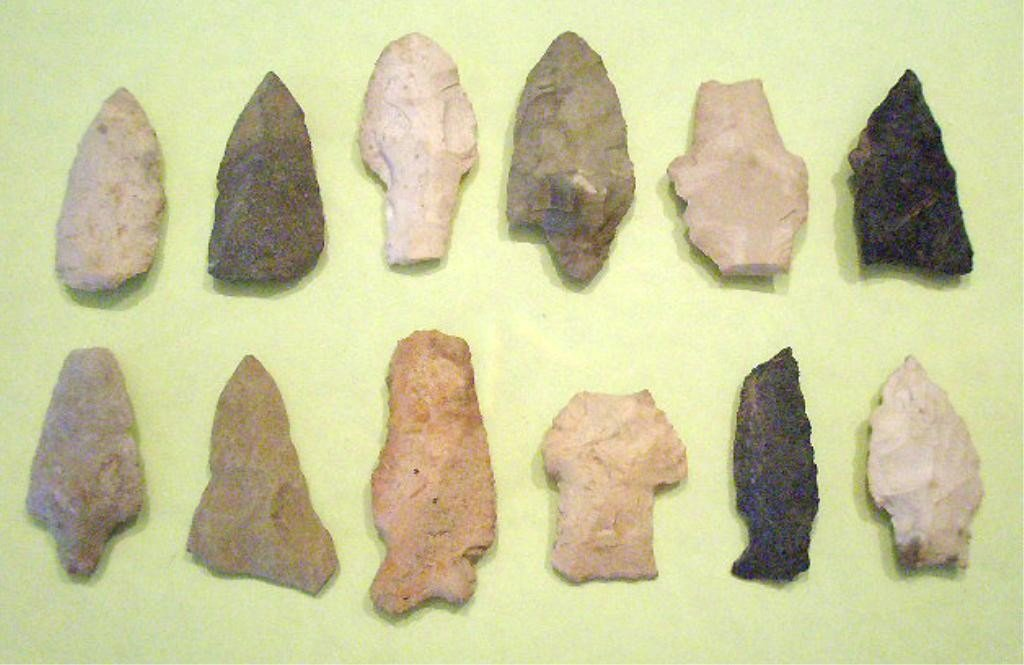 1005: 12 American Indian Spear & Arrow Projectile Point