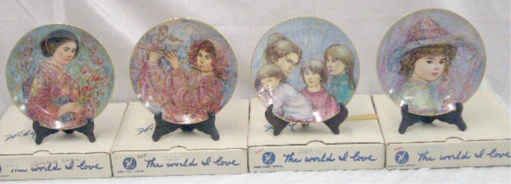 2063: Hibel Studio Porcelain Collectors Plates