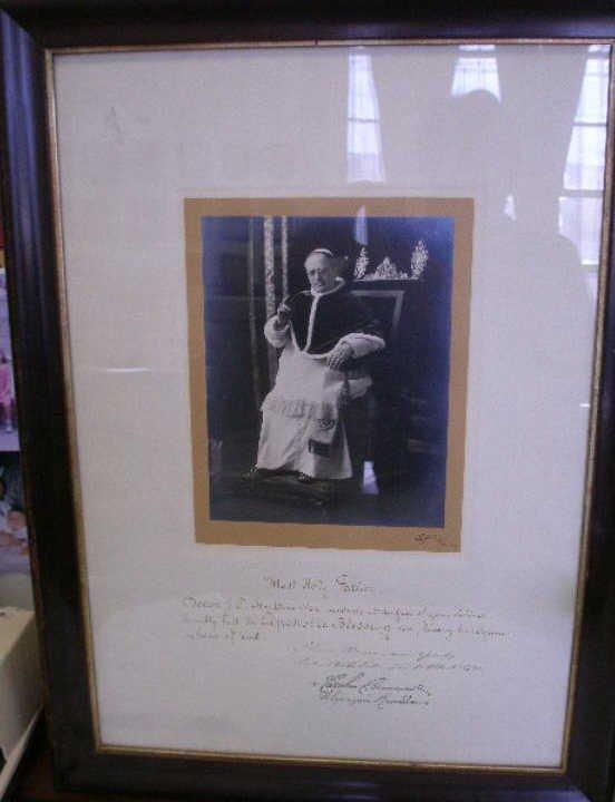 1046A: Pope Pius XI Presentation Photograph