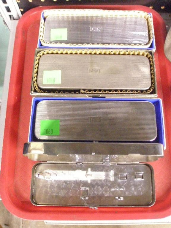 1060: Tray Lot 4 B-D SS Glass syringe Cases